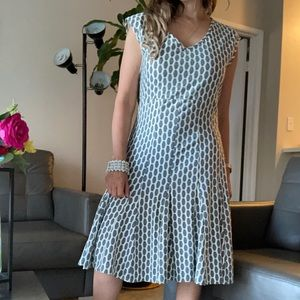 Just Taylor Sleeveless Lined Pleated Zipper Dress